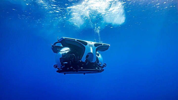 HO: Scenic Eclipse submarine 200723