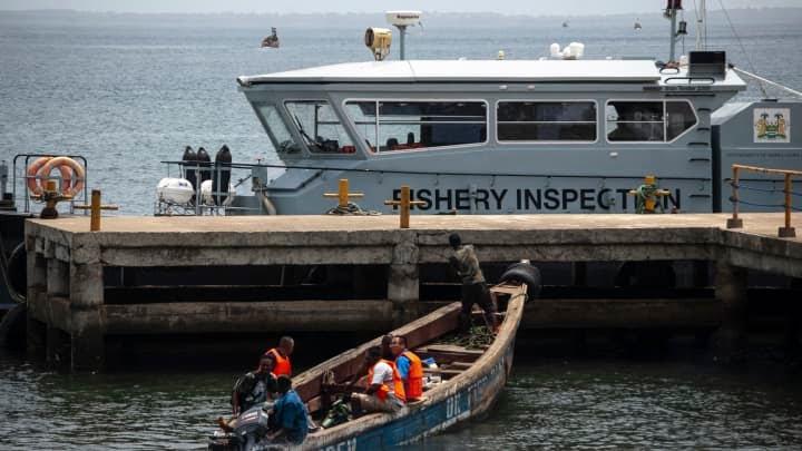 GP 210519 Sierra Leone Chinese fishermen EU